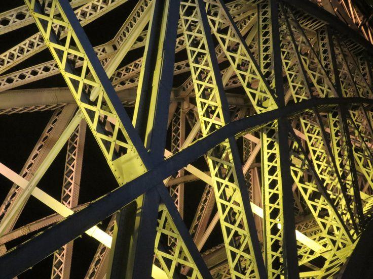 Steel construction Dom Luis I bridge