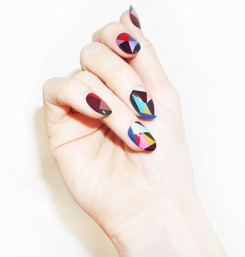 N á i l / Geometric nail art | We Heart It
