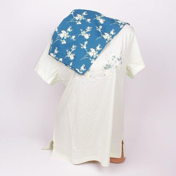 Макси пижама в два тона на зеленото. Готното е в блед цвят и нежна апликация а панталона е в наситен цвят и ефектни цветя