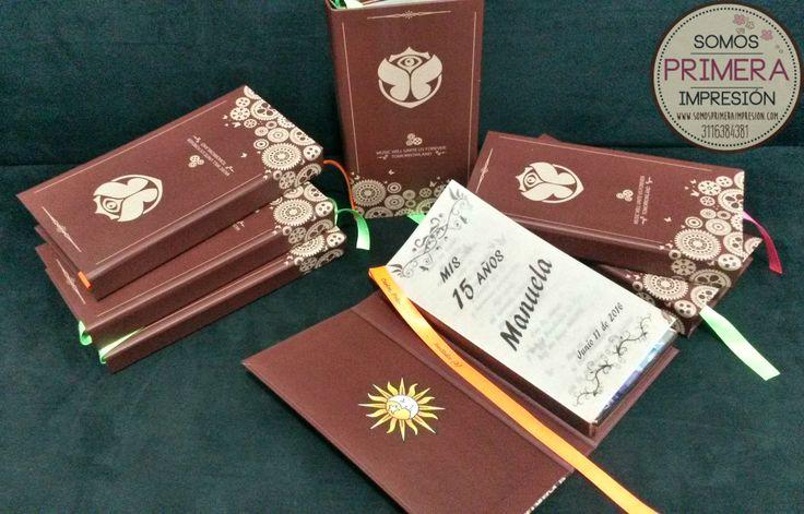 Tarjetas de Invitación Quince Años (XV - Sweet 16th) Temática Tomorrowland.  Tipo Libro