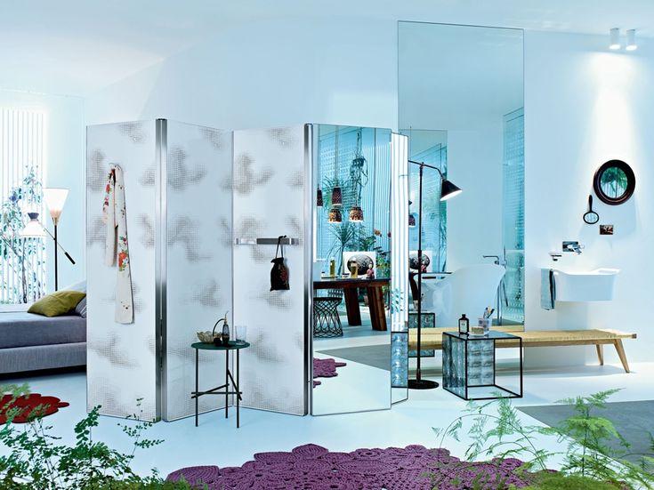 Axor Axor Urquiola è il paravento-radiatore disegnato da Patricia Urquiola all'interno della collezione bagno per il brand tedesco. Un affascinante mix di stili nella sala da bagno: ogni elemento possiede un fascino personale.
