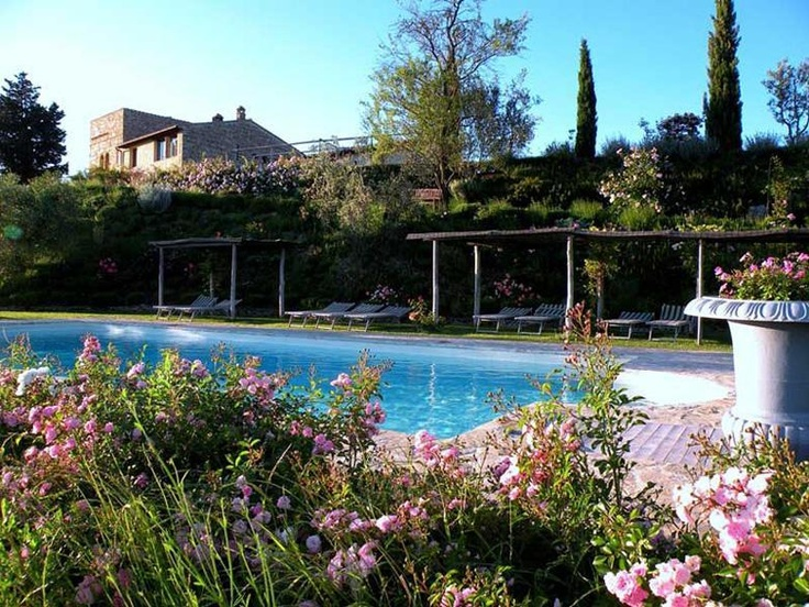 Tuscany Cottage located in Florence sleeps 6 with Outdoor Pool