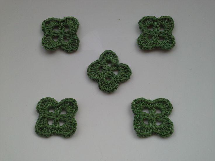 lot de 5 appliques trèfle a 4 feuilles, applique crochet, applique feuille. : Déco, Customisation Textile par dentelle-et-crochet