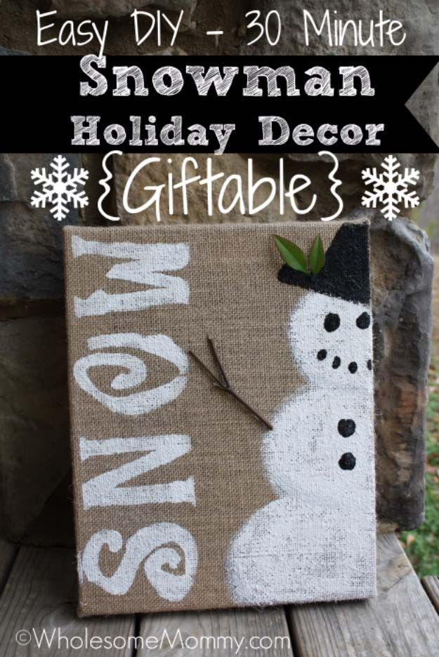 Awesome DIY Christmas Home Decorations and Homemade Holiday Decor Ideas - Quick and Easy Decorating ideas, cool ornaments, home decor crafts and fun Christmas stuff  | Crafts and DIY projects by DIY Joy  |  Easy Snowman Holiday Decor  |  http://diyjoy.com/diy-christmas-decor-holiday-decorations
