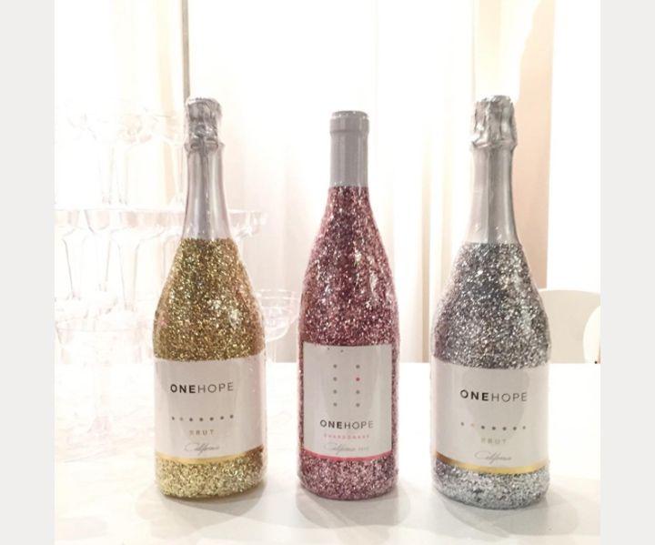 25 best ideas about glitter wine bottles on pinterest for How to glitter wine bottles