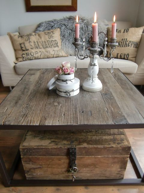 table. burlap pillows