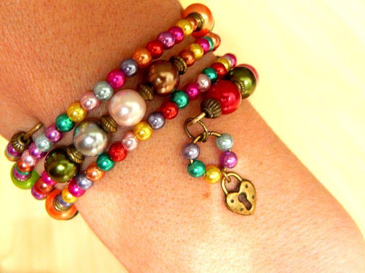 """Bracelet ethnique """"Corinne"""" fil memoire 3 rangs des perles nacré multicolore : Bracelet par caromoon"""