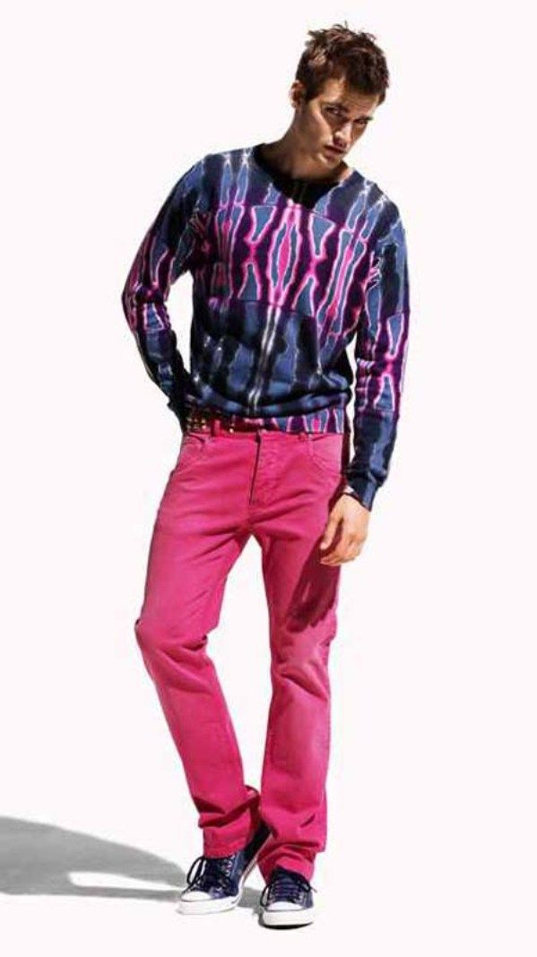 The '80s was one of the most iconic decades of fashion, especially for men. There were a slew of trends that men followed, some of which can still be seen on modern-day men and runways alike.