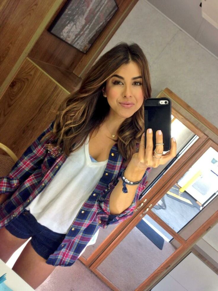 Daniella Monet                                                                                                                                                                                 Mais