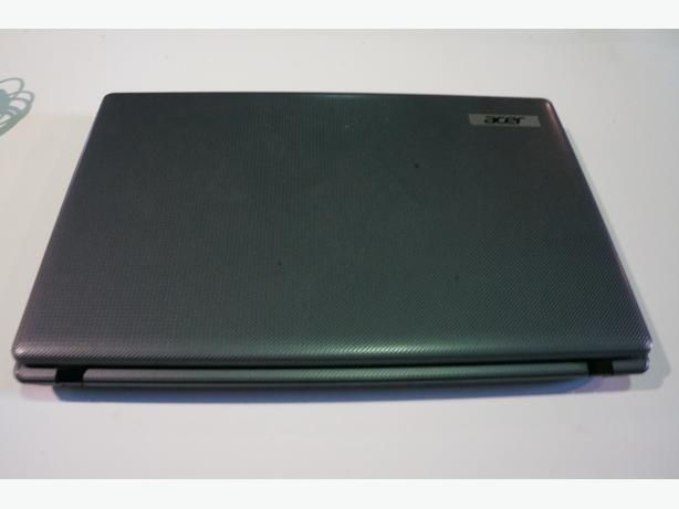 Acer Laptop Model 5749-6474 Windows 7 pro with cord (186259-1)
