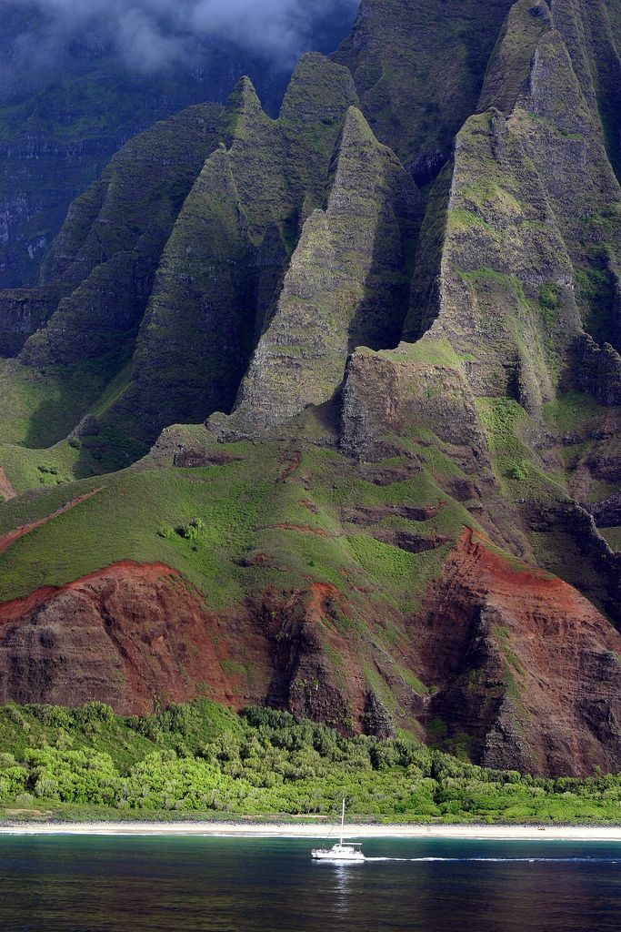 Beautiful Landscape photography : Na Pali Coast Kauai Hawaii We first saw the rugged Na Pali coast from aboard o