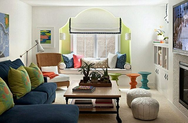 A very chic Moroccan living room design. The bright sunny colors are a lovely complement to the whitewashed walls. #interior #interiordesign #livingroom #homedesign #chic #decor #instastyle #moroccan
