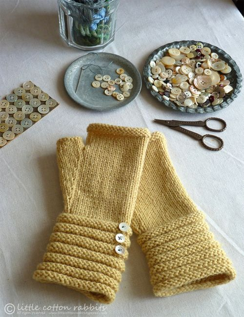 Midsummer mittens from Little Cotton Rabbits blog