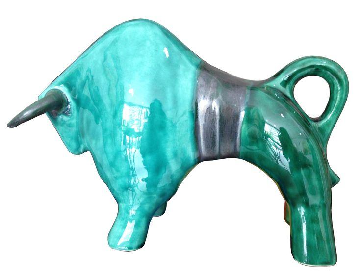 Toro moderno de cerámica tonos verdes