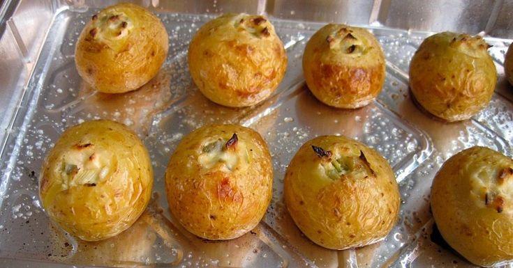 Pripravte si pečené zemiaky v šupke so syrom, sú vynikajúcou prílohou k mäsu