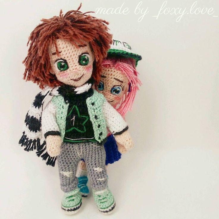 """750 Likes, 44 Comments - Вязаные куклы.Crochet doll. (@_foxy.love_) on Instagram: """"Доброе утро!Хотите узнать,кто там такой так любопытно выглядывает из-за спины старшего брата?…"""""""