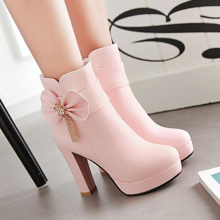 Material: PU Farbe: weiß, pink, schwarz High Heel…