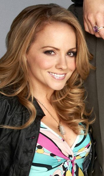 Kelly Stables in The Exes