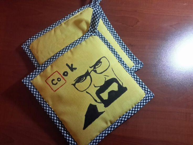Hand painted oven gloves  #breakingbad