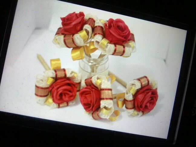 Perfect match red roses blend with gold