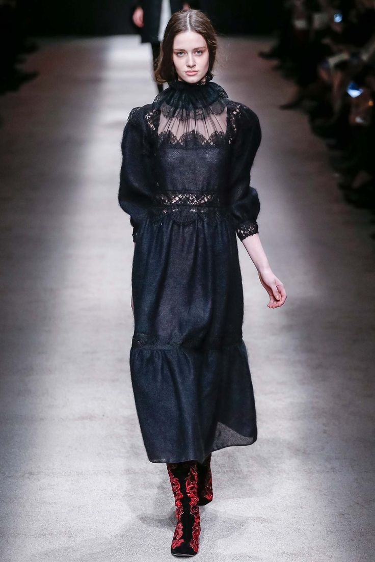 First Looks: The Models Who Opened Every Milan Fashion Week Runway Show - Thyra van Daalen, Alberta Ferretti