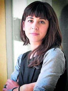 Inma Fierro nace en Sevilla en el año 1985. Comenzó sus estudios de Bellas Artes en la Universidad de Sevilla. Es licenciada en la Universidad de Barcelona donde ha realizado un máster de Creación Artística: Realismos y Entornos. Su discurso creativo se desarrolla en la línea del expresionismo abstracto. Su obra está basada en las emociones directas e...
