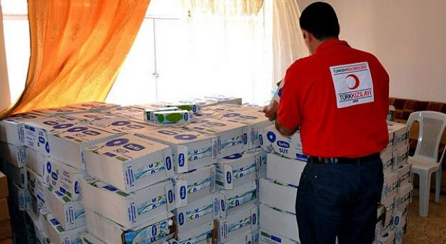 @TurkKizilayi in #Iraq carried out within the framework of assistance to the town of #Kirkuk Altunköprü found in food aid.