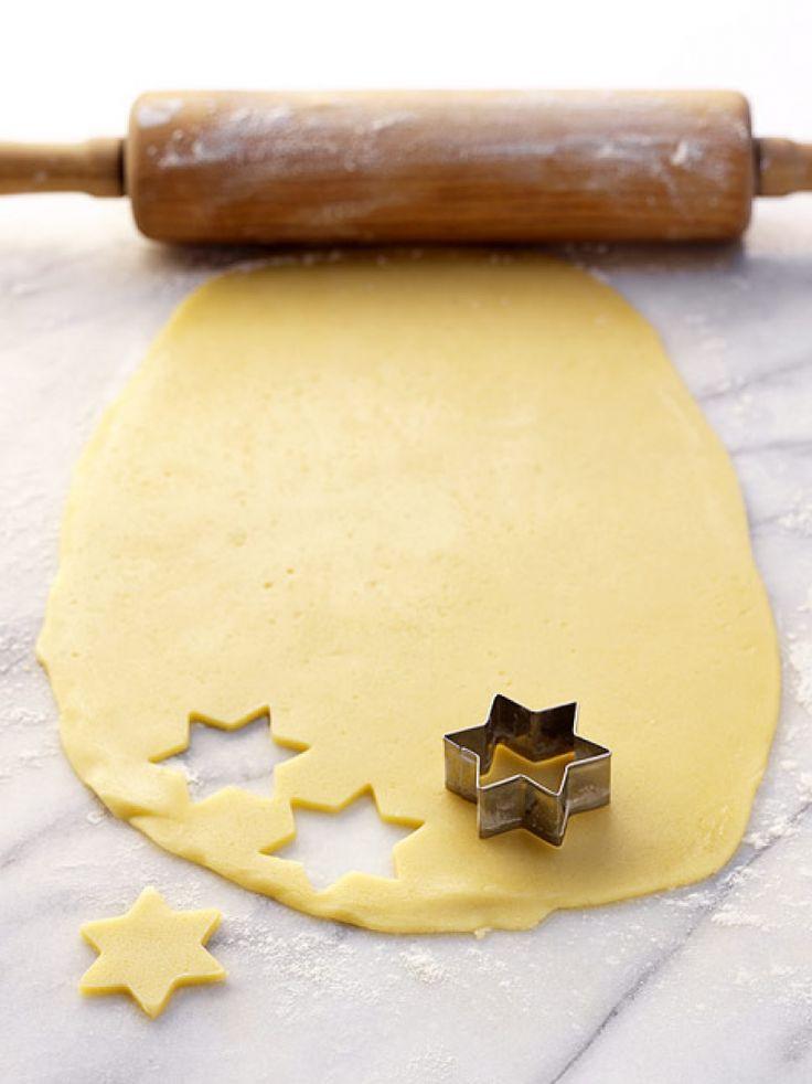 Rezept für Grundrezept Mürbeteig bei Essen und Trinken. Und weitere Rezepte in den Kategorien Eier, Milch + Milchprodukte, Plätzchen / Kekse, Backen.