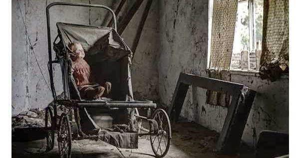 Diez espeluznantes mansiones abandonadas donde el tiempo se detuvo que sugieren historias de un tiempo ya pasado.