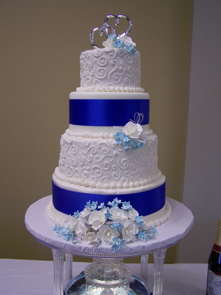 blue and white wedding cakes images 17 best images about cakes multi tier royal blue wedding 11966