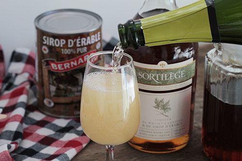 Le Mimosa du #terroir - Une alternative au #mimosa traditionnel, à servir au brunch. Les adeptes purs et durs des produits de l'érable seront comblés ! Découvrez la #recette sur le blogue SAQ TCHIN TCHIN! #erable