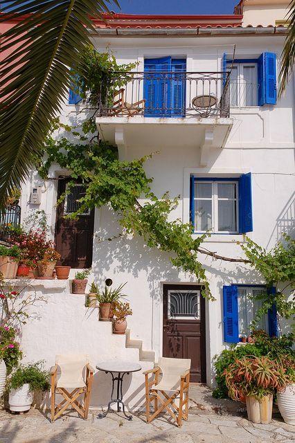 Heerlijk om te verdwalen in kleurrijke Griekse straatjes!