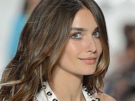 Geschmeidigkeit und Glanz: Die folgenden Produkte versprechen, dass sie kaputte Haare wieder gesundmachen können.