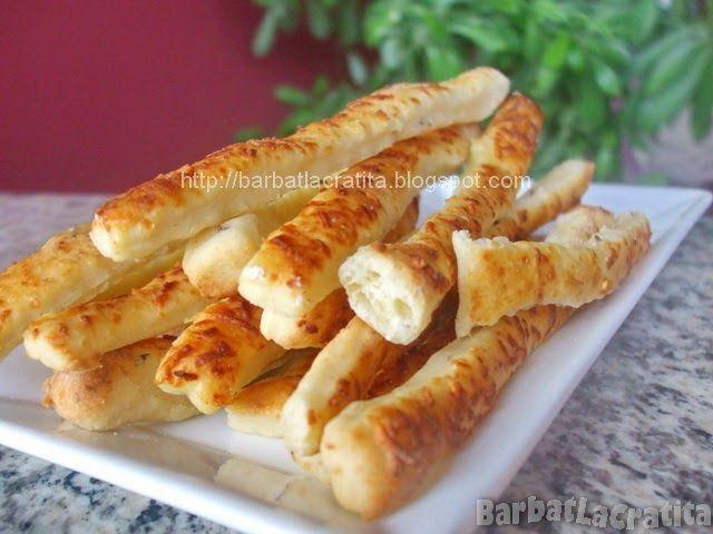 Clasicele saratele cu branza telemea si seminte de chimen (plus faina, margarina, oua, iaurt si drojdie).