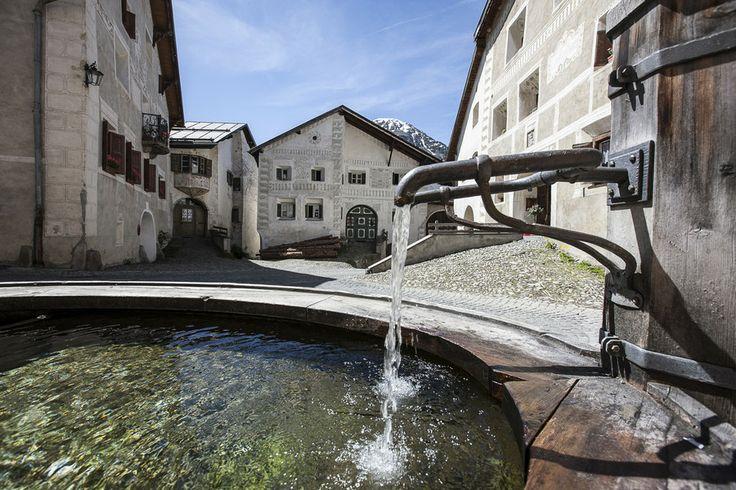 Guarda - das Schellen-Ursli-Dorf. Unterengadin. Graubünden. Schweiz. / Guarda. Lower Engadine. Canton Graubünden. South-Eastern Switzerland. Swiss Alps.