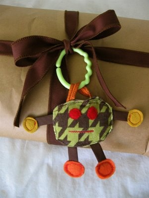 brown paper bag, fabric ribbon, scrappy monster -- (dana-made-it.com, made, made blog, dana made it, dana willard): Fabrics Toys, Kids Stuff, Gifts Ideas, Baby Gifts, Monsters Toys, Gifts Wraps, Fun Ideas, Baby Toys, Scrappy Monsters