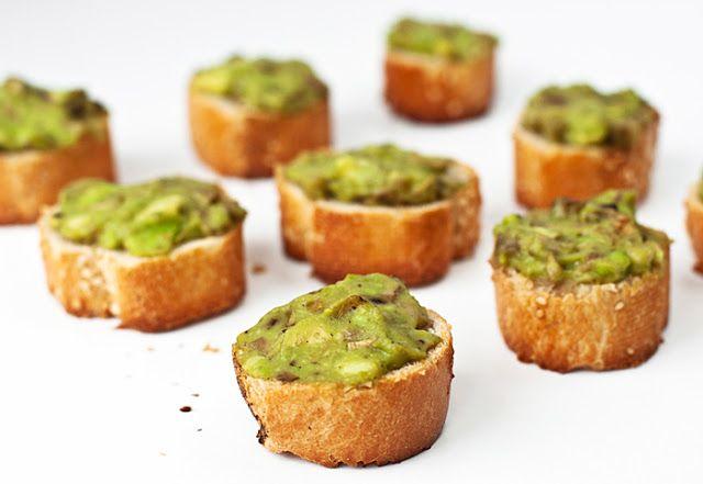 Weganie: Pasta z avocado z pieczarkami