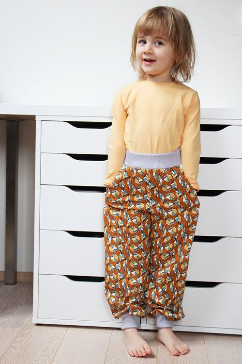 Dětské indiánské tepláčky s lístky z BIO bavlny / Kids indian trousers with leafs made from organic cotton Birch fabrics