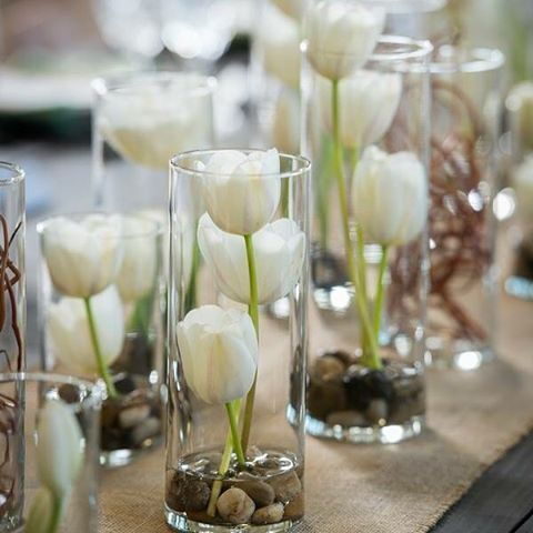 Get more styling inspiration on our Facebook page @modernweddingmagazine #modernwedding #modernweddingmagazine #styling #style #stylinghandbook #love #tulips