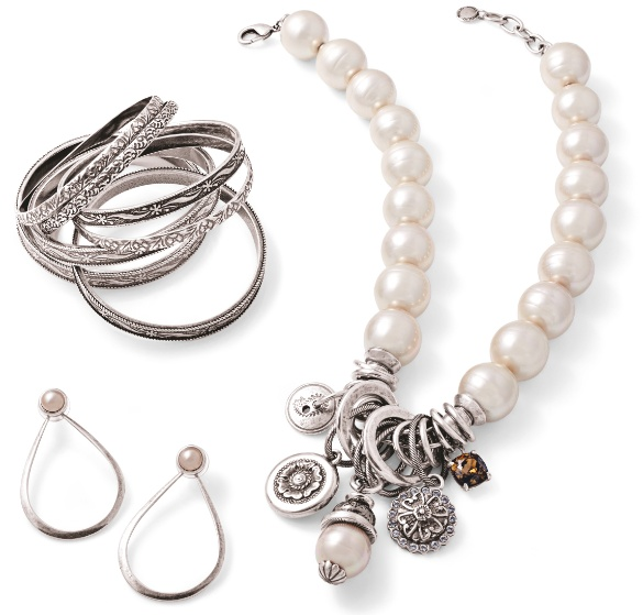 Miglio Care Advice: For the best care of your Miglio jewellery we recommend that you store items separately to avoid scratching. Take care with items subjected to higher levels of wear such as bracelets, watches and pearls. How do you take extra special care of your Miglio items?