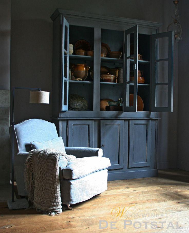 #chair #interior #closet #crockery #linen #lighting #limepaint #chalkpaint #linen