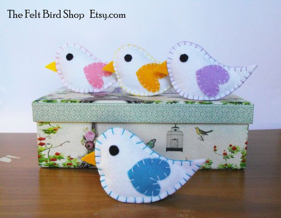 Uccellini di feltro. Set di 4 uccellini bianchi di TheFeltBirdShop