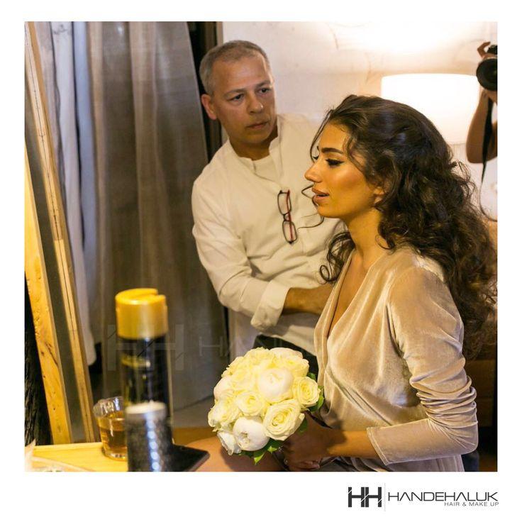 Düğün sezonu açıldığına göre bu haftanın #tbt si de güzeller güzeli @rachelaraz'den nefis bir kare olsun!  #HandeHaluk #ulus #zorlu #zorluavm  #zorlucenter #hair #hairstyle #hairoftheday #hairfashion #hairlife #hairlove #hairideas #hairsalon #hairstylists #hairinspiration  #inspiration  #HandeHalukAveda #HandeHalukZorlu #HandeHalukbride #hairtrends #bridehair