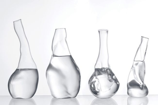 Transparent, las jarras de agua de cristal arrugado por Andreas Trenker