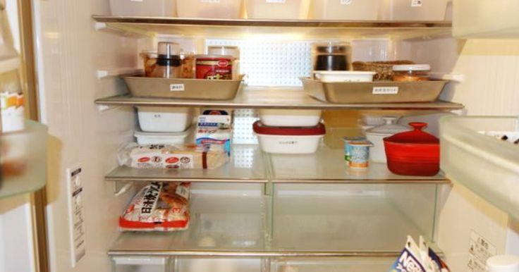 """我が家の冷蔵庫には3つのテーマがあります。 ①扉の開閉時の節電を可能に ②使いっぱなし食材、忘れ物撲滅の在庫管理 ③""""デットスペース""""を""""活かすスペースに""""、の死角をなくした収納 をテーマに冷蔵庫を有効活用しています。 また奥行きを利用して背の高い物を奥、低い物を手前に配置し、開けたときに一目瞭然、何が入っているのかわかるようにしてあります。 80%収納を心がけ、突然の来客にも対応できるよう、お持たせを状態良くいただくために人間関係にもスマートな収納を目指しております。"""