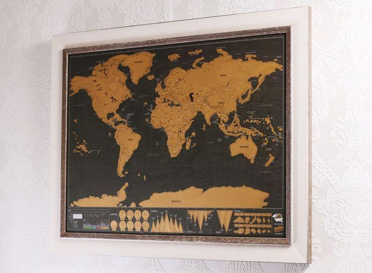 Vyškrabávací mapa zarámovaná do hnedo-bílého rámu z krásného Toskánska