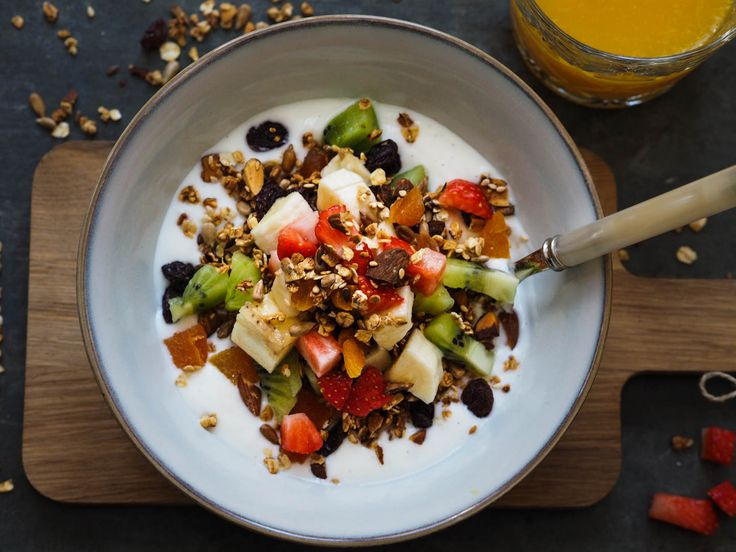 hjemmelaget-granola-med-vaniljeyoghurt_pa060357