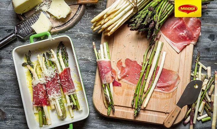 Asparagus with bacon and cheese // Sparanghel cu bacon si parmezan -> https://www.facebook.com/MAGGI.Romania/photos/a.631324773607616.1073741827.287189181354512/631324990274261/?type=1&theater