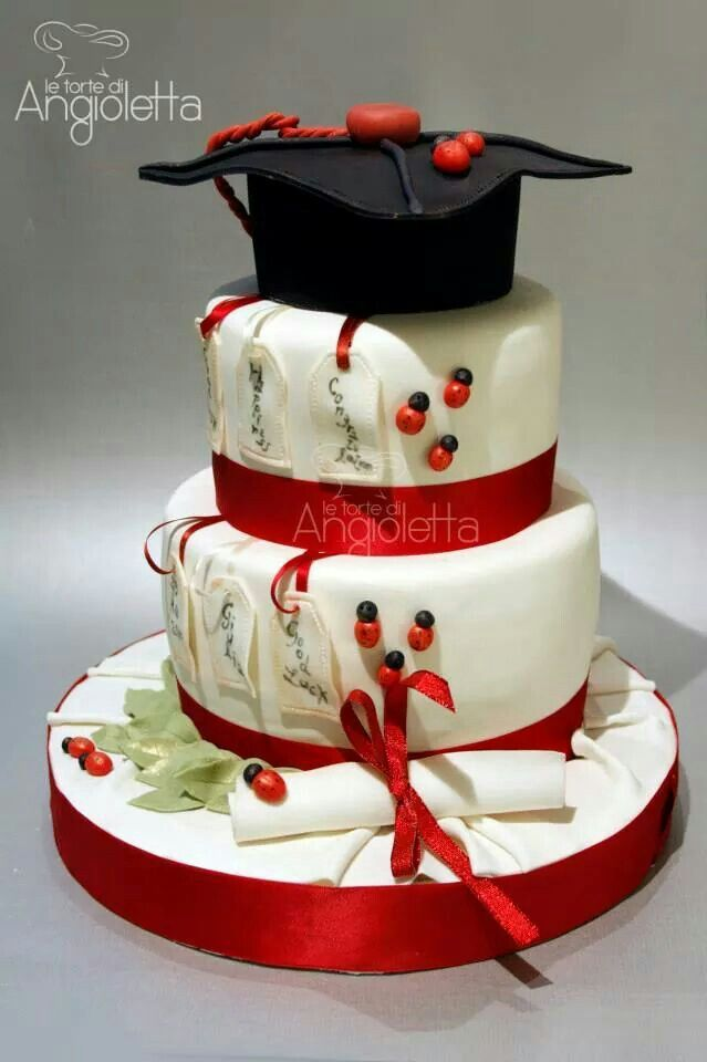 Torta laurea celebration cake