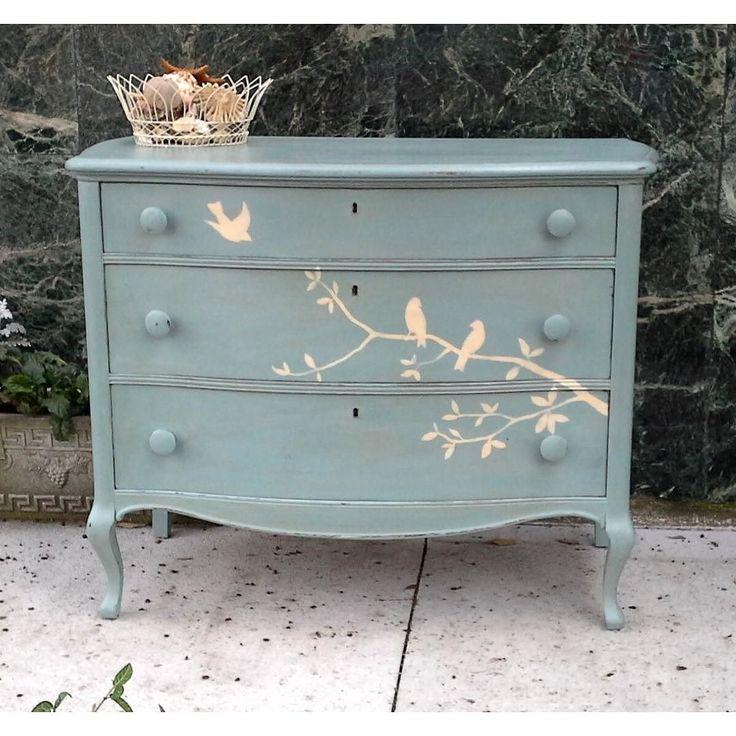 Começando o dia  com trinados de passarinho!!! #furnituremakeover #Diy #customização #shabbychic #provence by casabellainteriores
